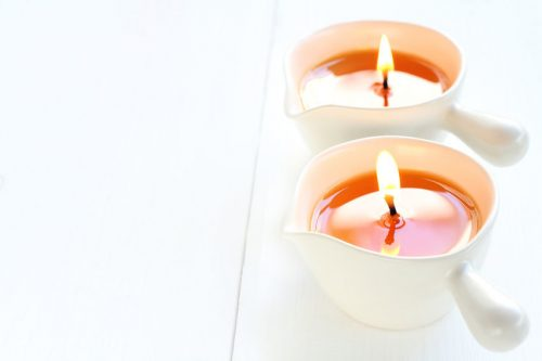Masáž vonnou svíčkou